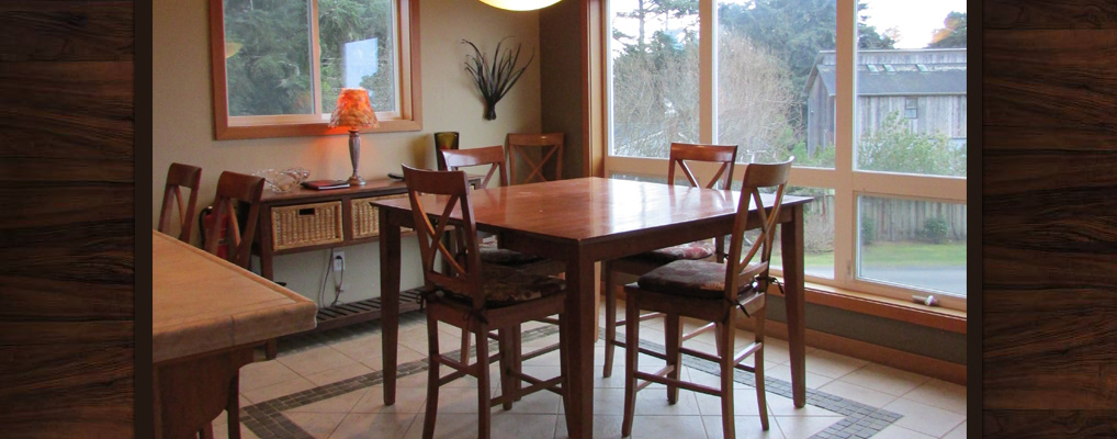 Bandon-Escape-Beach-House-Rental-dining-rooms
