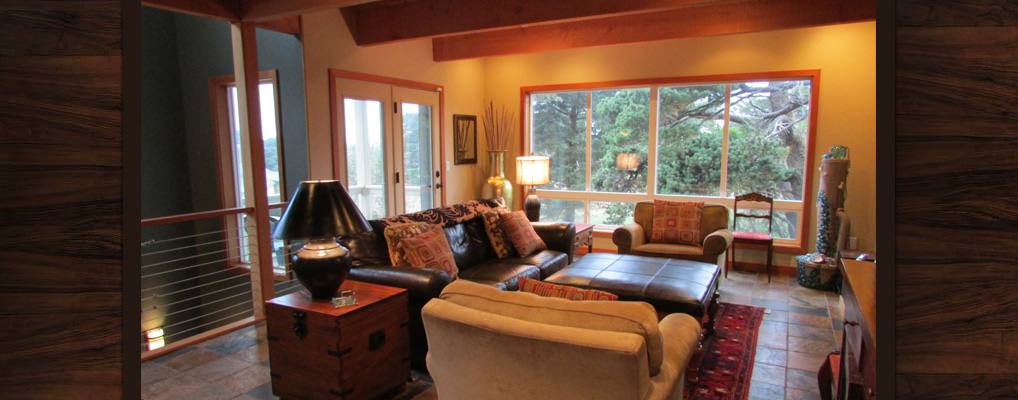 Bandon-Escape-Beach-House-Rental-living-room
